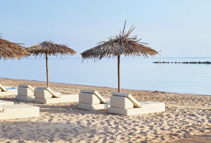 01-casa-marron-sandy-beach-in-peloponnese