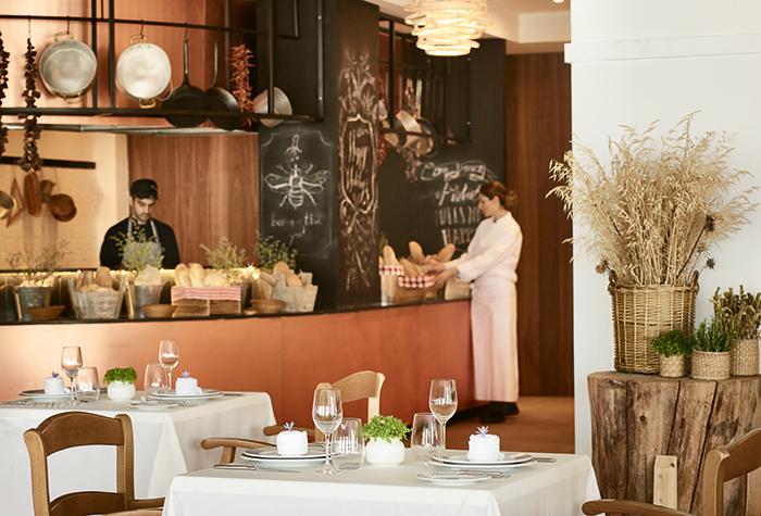 01-casa-marron-peloponnese-dining-hotel