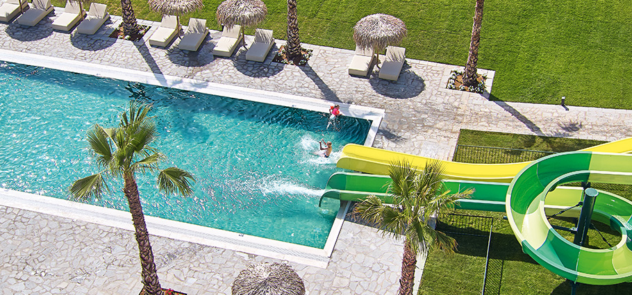 casa-marron-waterslides-all-inclusive-family-resort