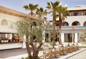 11-Amazing-restaurant-location-amongst-the-gorgeous-gardens-of-Casa-Marron