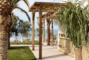 19-All-inclusive-dining-by-the-sea-in-Casa-Marron