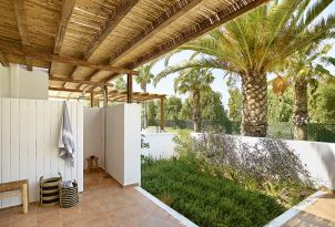 20-External-Shower-Casa-Marron-Hotel-Peloponnese