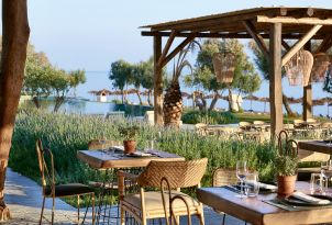 22-Dining-casa-marron-all-inclusive-resort-peloponnese