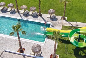 casa-marron-all-inclusive-kids-family-resort-with-waterslides